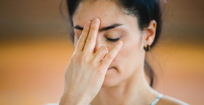 Yüz yogası: Yüz için uygulayacağın egzersizler kırışıklıkları azaltmaya yardımcı olabilir mi?
